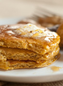 Healthy pumpkin pancakes (so fluffy, you wouldn't believe they're whole wheat!) cookieandkate.com