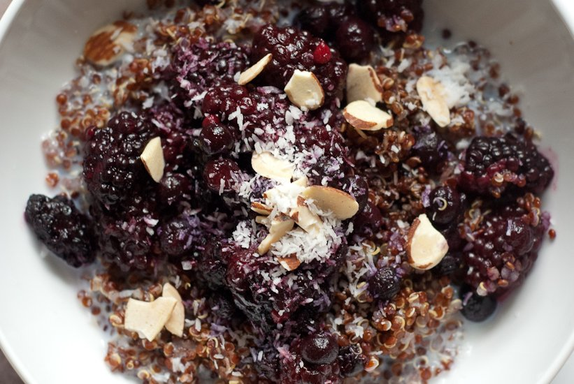 breakfast quinoa with blackberries, blueberries and balsamic vinegar