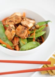 roasted tofu with steamed vegetables and quinoa