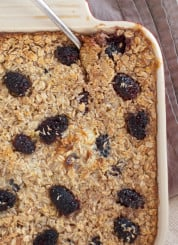 healthy baked blackberry coconut oatmeal