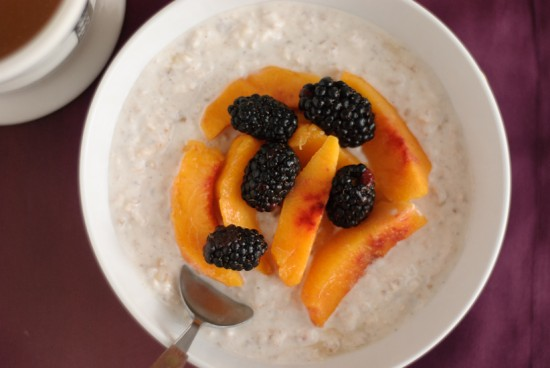 blackberry peach muesli