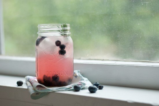 blueberry lavender lemonade with vodka