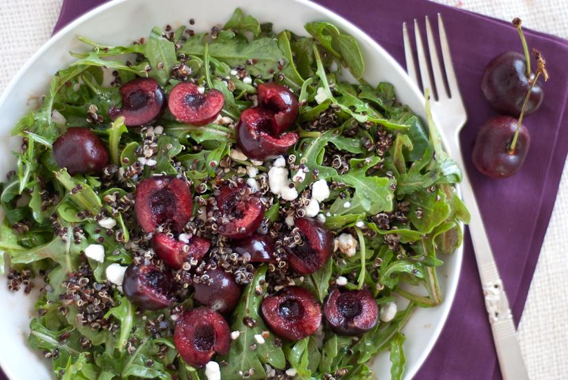 Ensalada de cereza, rúcula y quinua