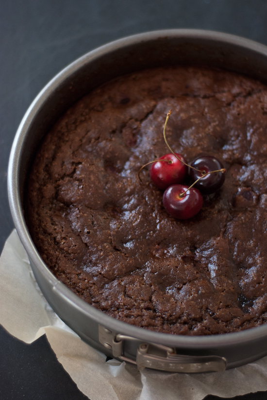 baked vegan cherry chocolate cake
