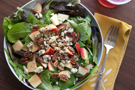 fall salad recipe with gala, gorgonzola and pecans