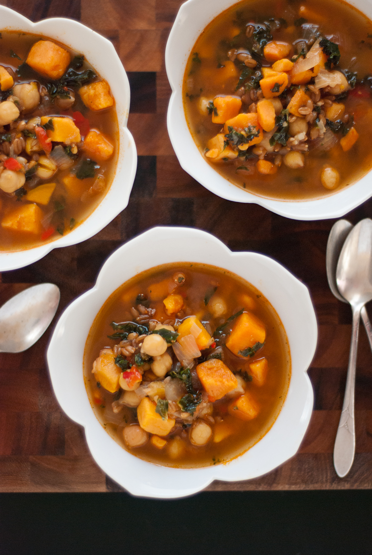Vegan Sweet Potato, Kale and Chickpea Soup with Farro