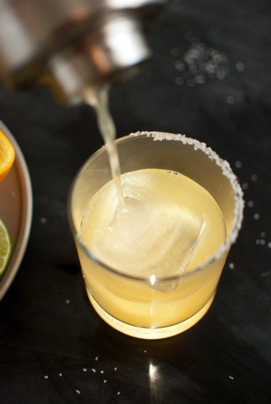Fresh lime margaritas recipe - cookieandkate.com