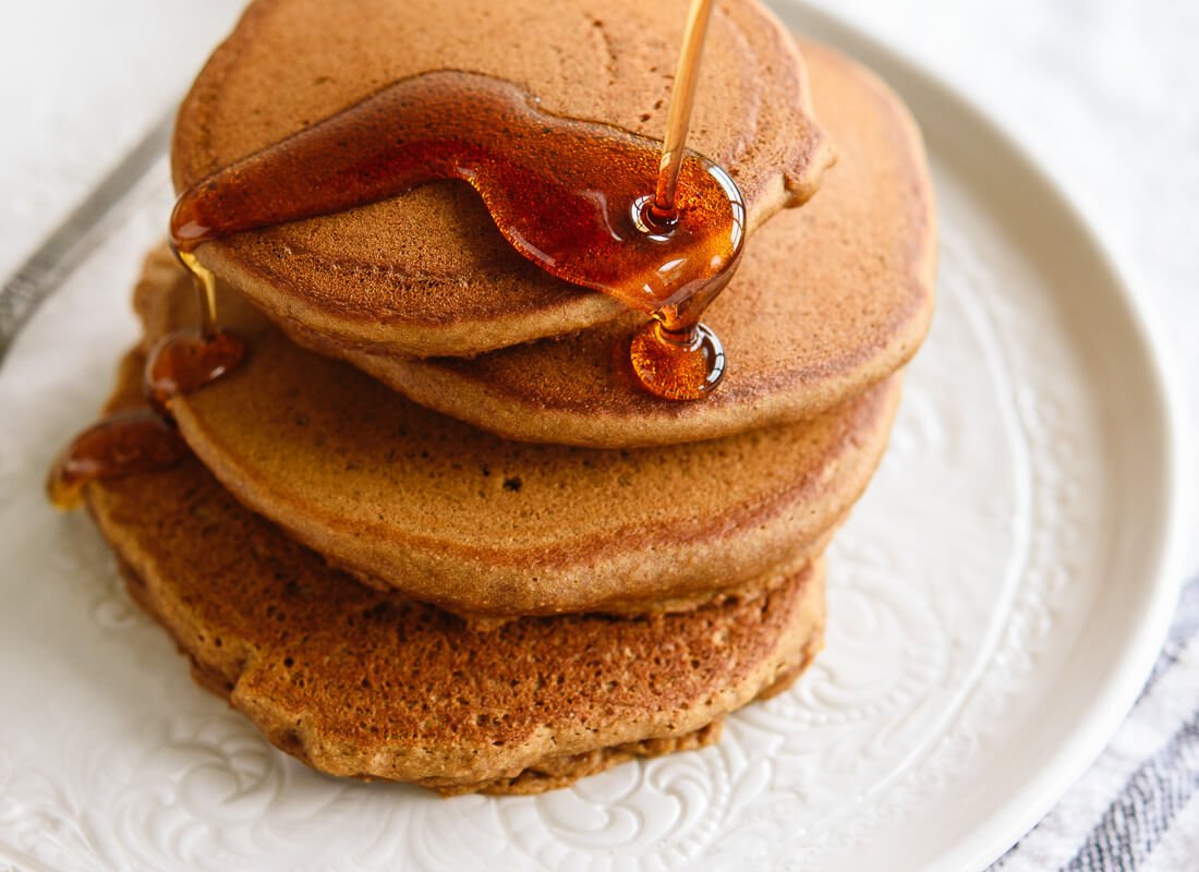 Delicious gingerbread pancakes - cookieandkate.com