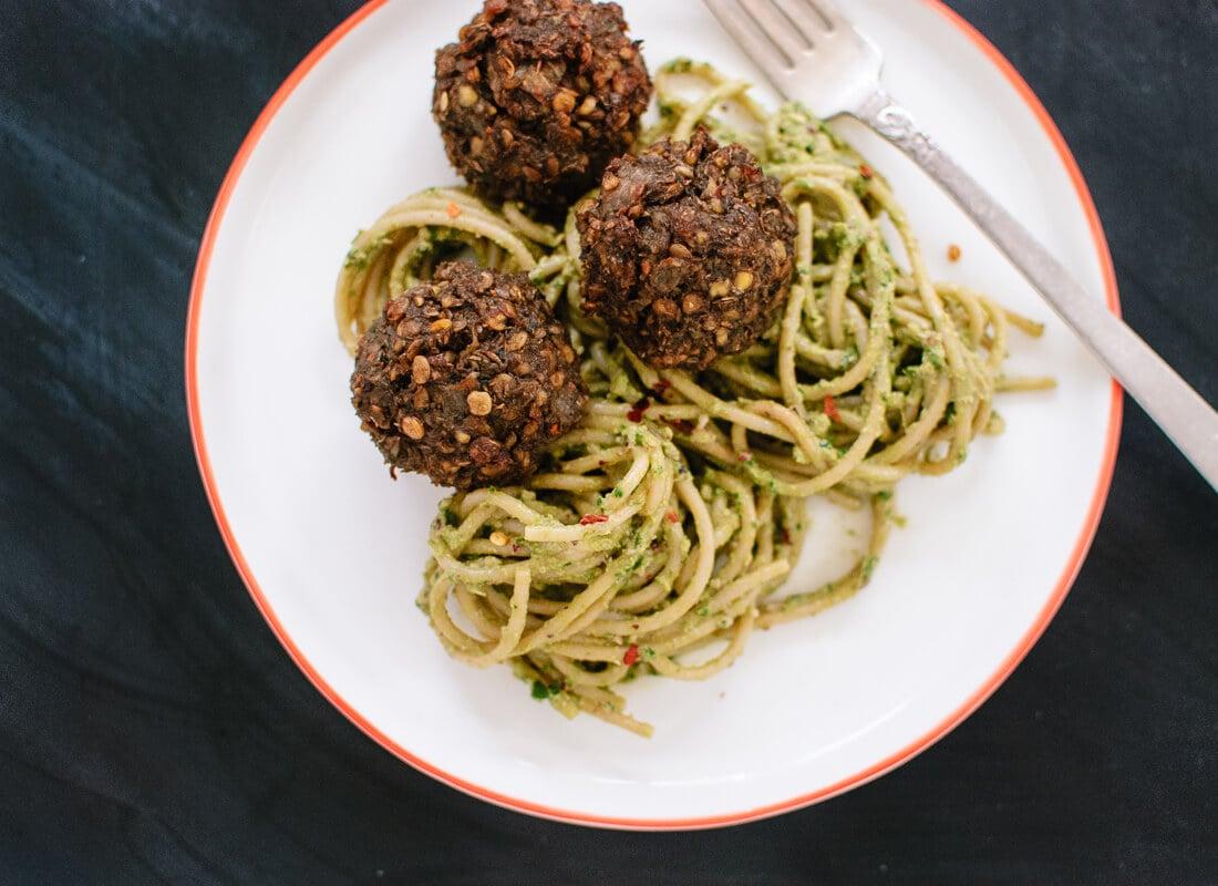 Vegetarian meatballs with pesto