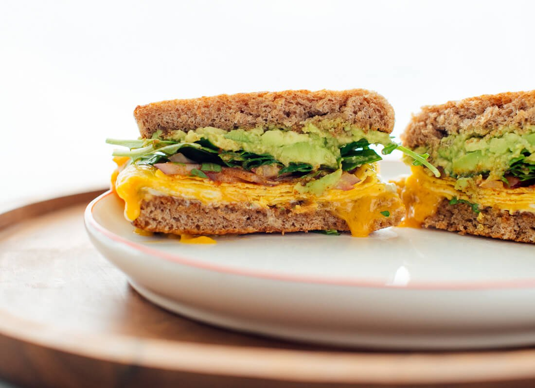 vegetarian breakfast sandwich