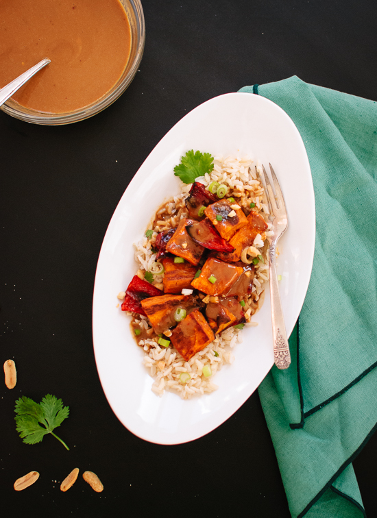 Roasted sweet potatoes with spicy Thai peanut sauce
