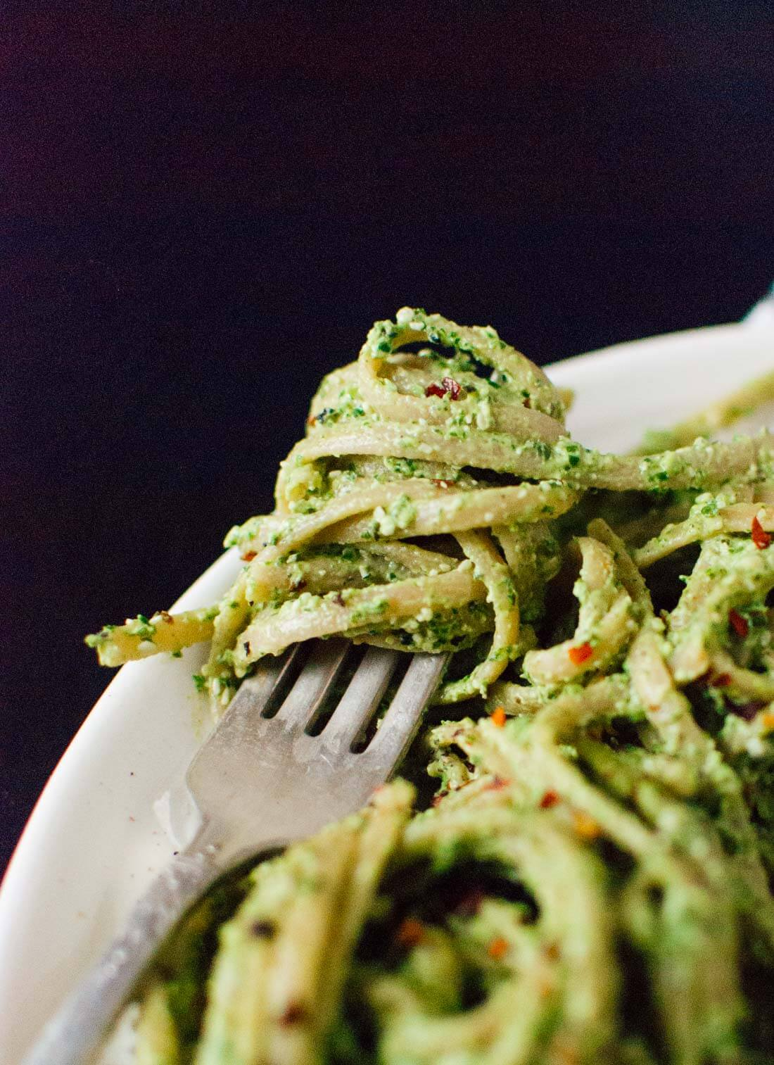 Kale, hemp and flaxseed oil pesto - cookieandkate.com