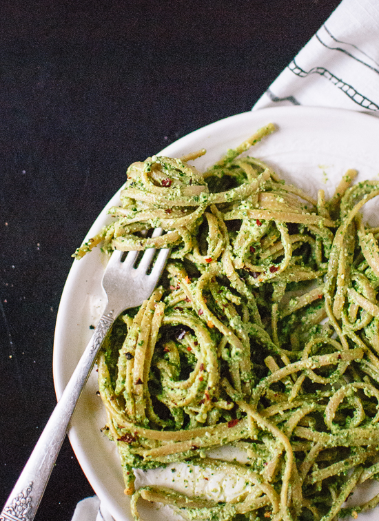 Kale, hemp and flaxseed pesto recipe - cookieandkate.com