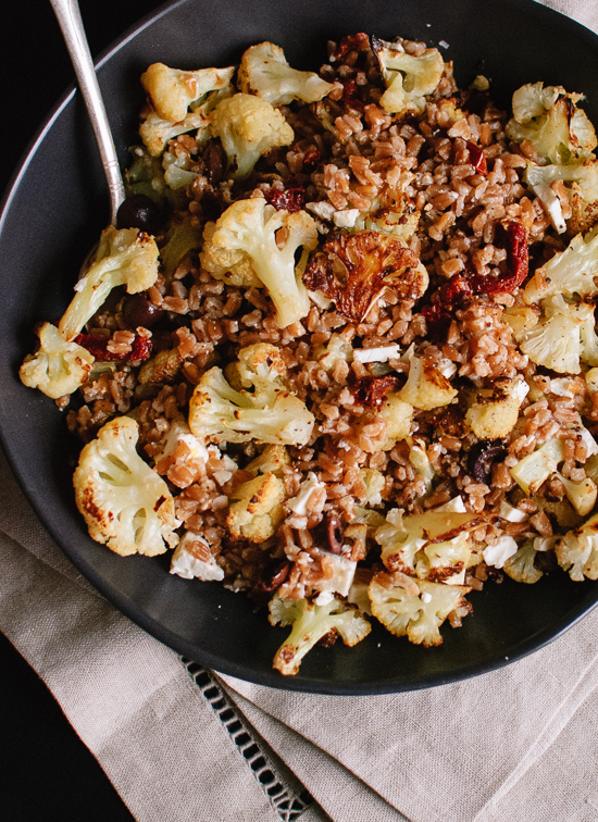 Roasted cauliflower and farro salad with sundried tomatoes and olives - cookieandkate.com