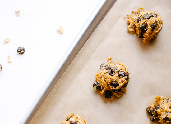 Flourless peanut butter oat chocolate chip cookies - cookieandkate.com