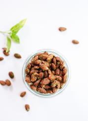 Basil pesto almonds, a great snack to keep on hand or appetizer to serve guests! cookieandkate.com