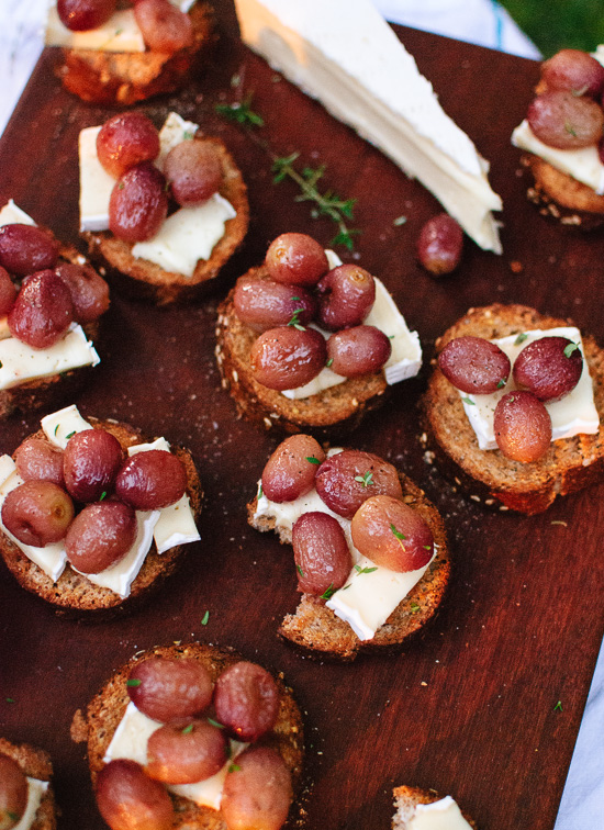 Roasted grape, brie and thyme crostini - cookieandkate.com