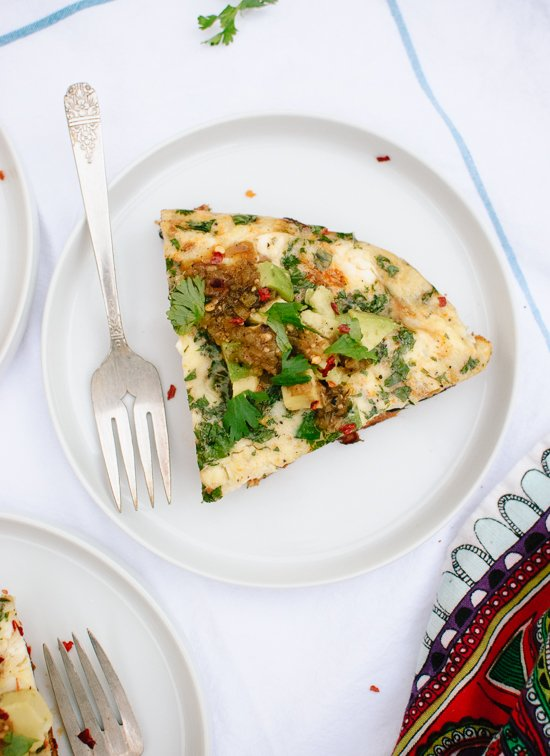 Sweet potato, red pepper and feta frittata — perfect for breakfast, brunch or breakfast for dinner! cookieandkate.com