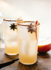 Spiced apple margaritas, just in time for the holidays! cookieandkate.com