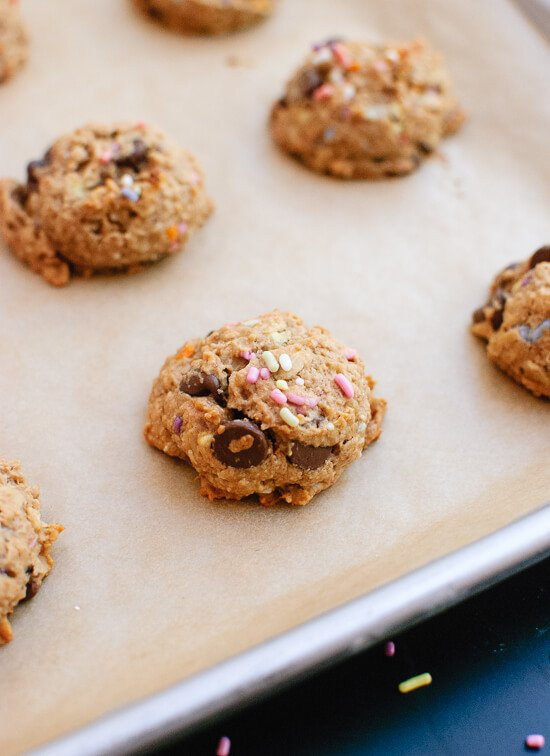 Peanut butter banana honey oat chocolate chip cookies recipe - cookieandkate.com