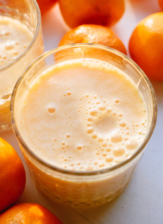 This delightful clementine smoothie is packed with vitamin C! cookieandkate.com