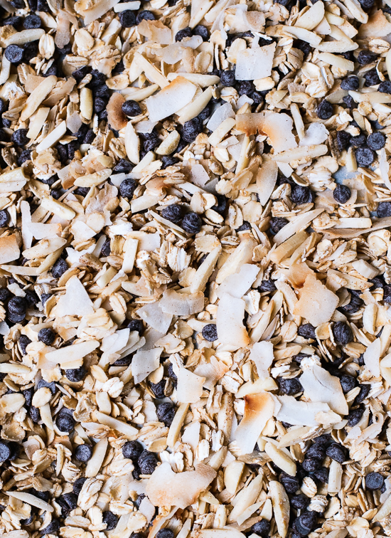 Toasted muesli with almonds, coconut and chocolate - cookieandkate.com