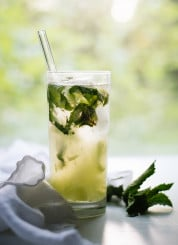 Super refreshing cucumber mojitos! Learn how to make them at cookieandkate.com
