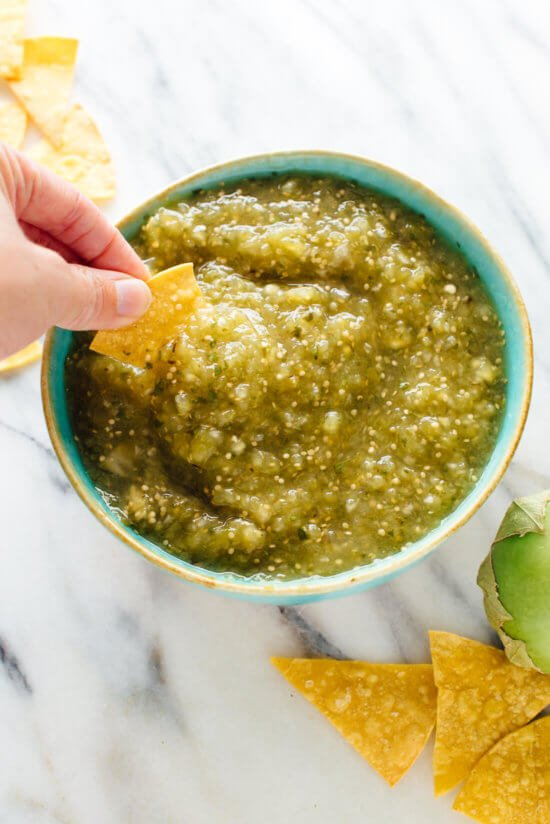 Once you try this homemade salsa verde recipe, you'll never go back! cookieandkate.com
