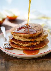 Fluffy and healthy apple oatmeal pancakes! You can whip these up in your blender in no time. cookieandkate.com