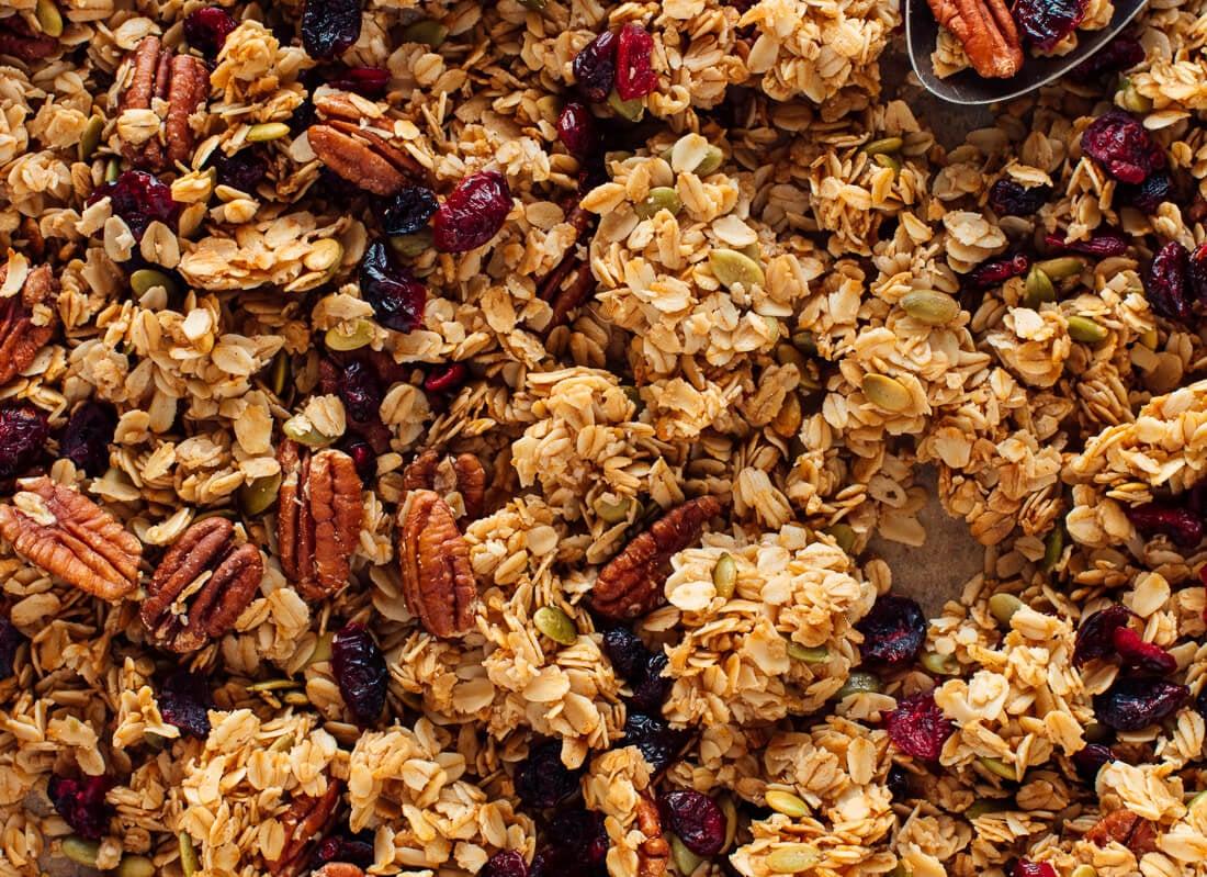 clumpy (chunky) granola