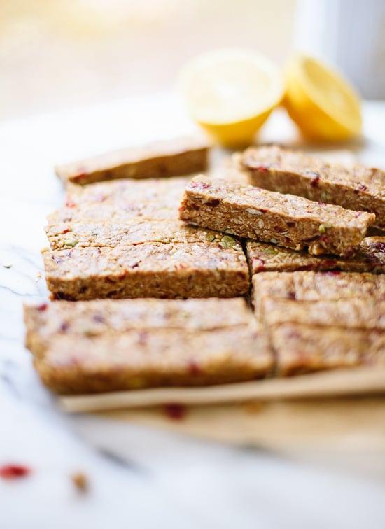 Cranberry orange granola bars - cookieandkate.com