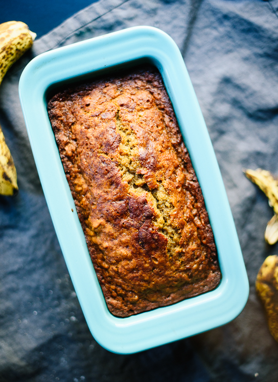 Healthy banana bread recipe—you're only a few simple ingredients and one bowl away from the best banana bread ever! cookieandkate.com