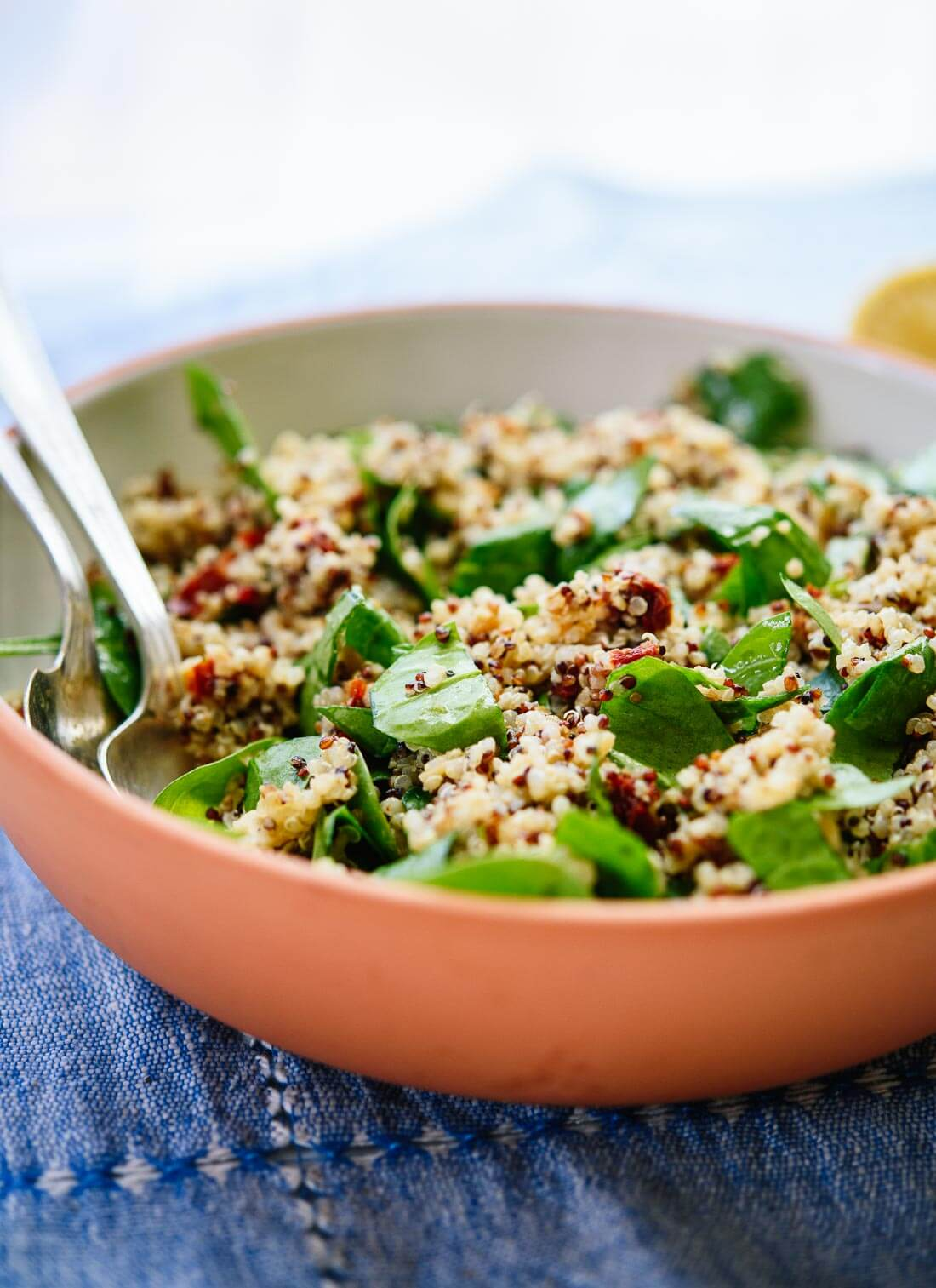Sun-dried tomato, spinach and quinoa salad recipe - cookieandkate.com