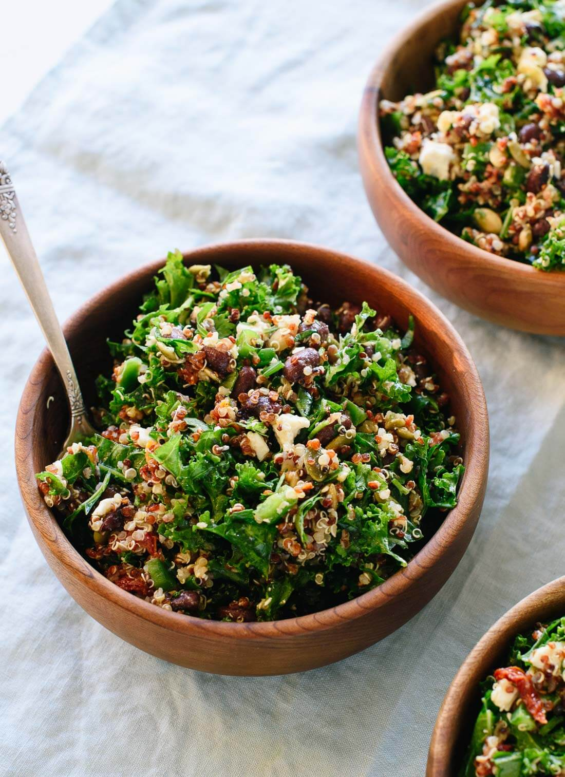 This Mexican kale and quinoa salad packs great for lunch! cookieandkate.com