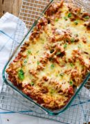 This vegetarian baked ziti recipe is absolutely delicious. Everyone will love this easy weeknight dinner option. cookieandkate.com