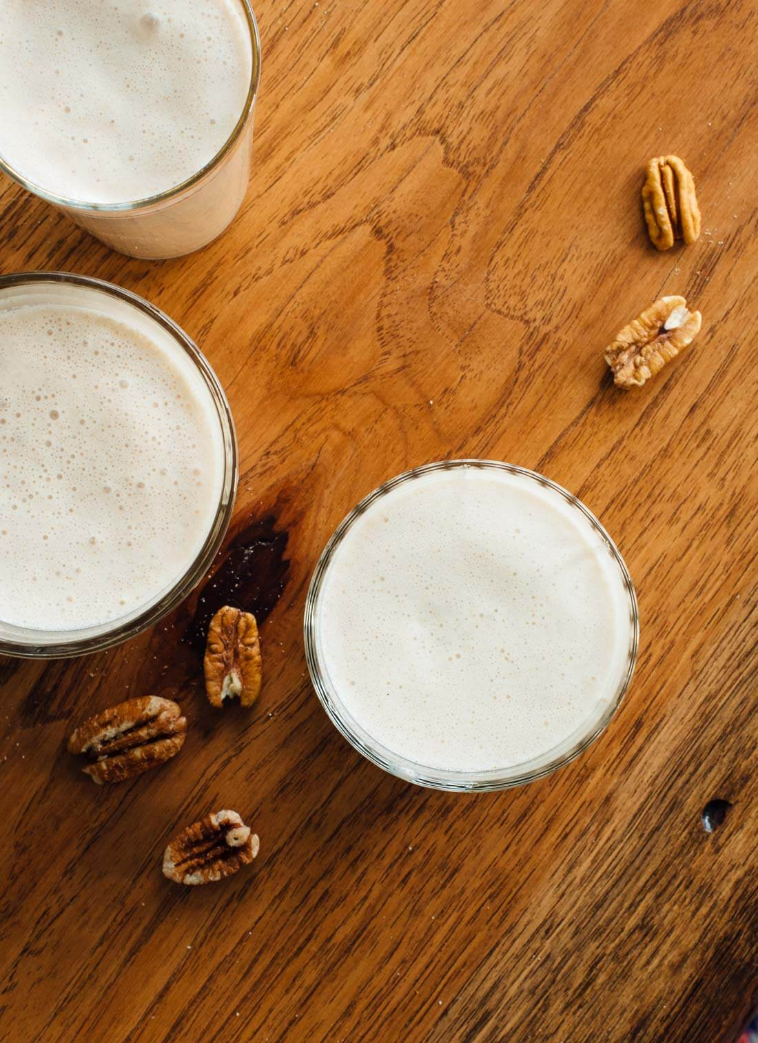 This maple pecan milk will blow your mind. No soaking, no straining, no leftover nut pulp, pure deliciousness!