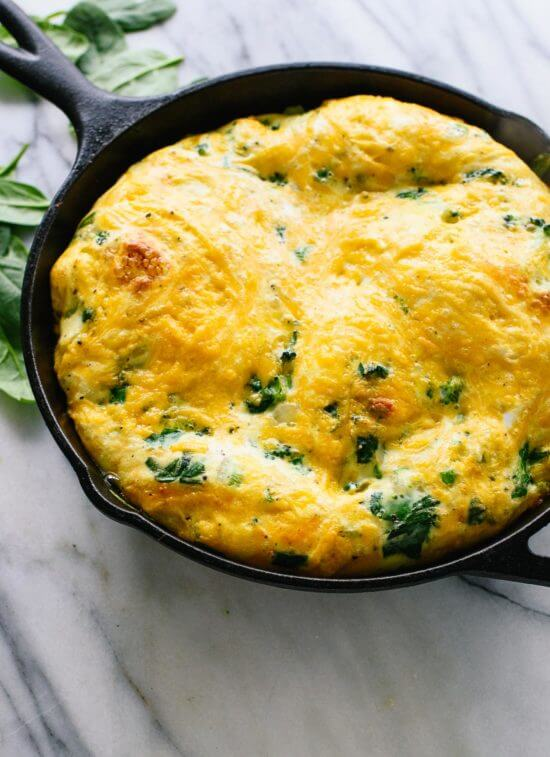 This simple spinach, broccoli and cheddar frittata is packed with veggies!