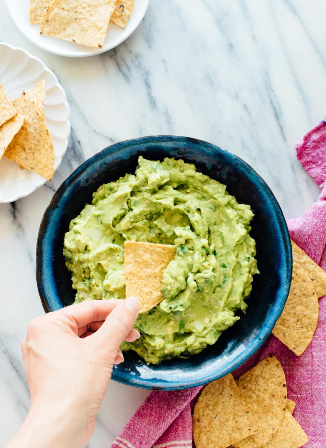 Truly the best guacamole recipe. It's so easy to make with these simple tips! cookieandkate.com