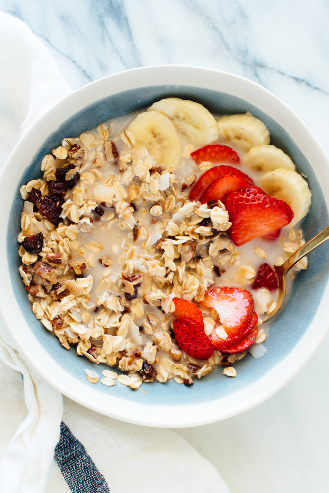 Make your own healthy homemade cereal! This cherry pecan muesli is full of whole grains and nutritious pecans. cookieandkate.com