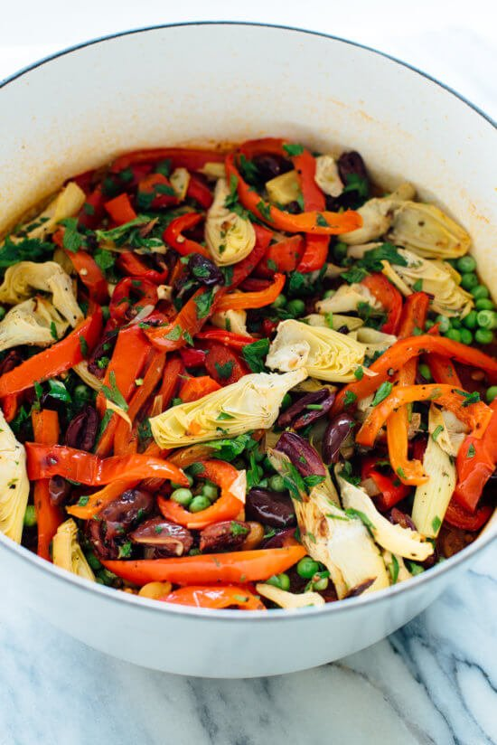 This vegetable paella recipe is absolutely delicious! It's easy to make, too.