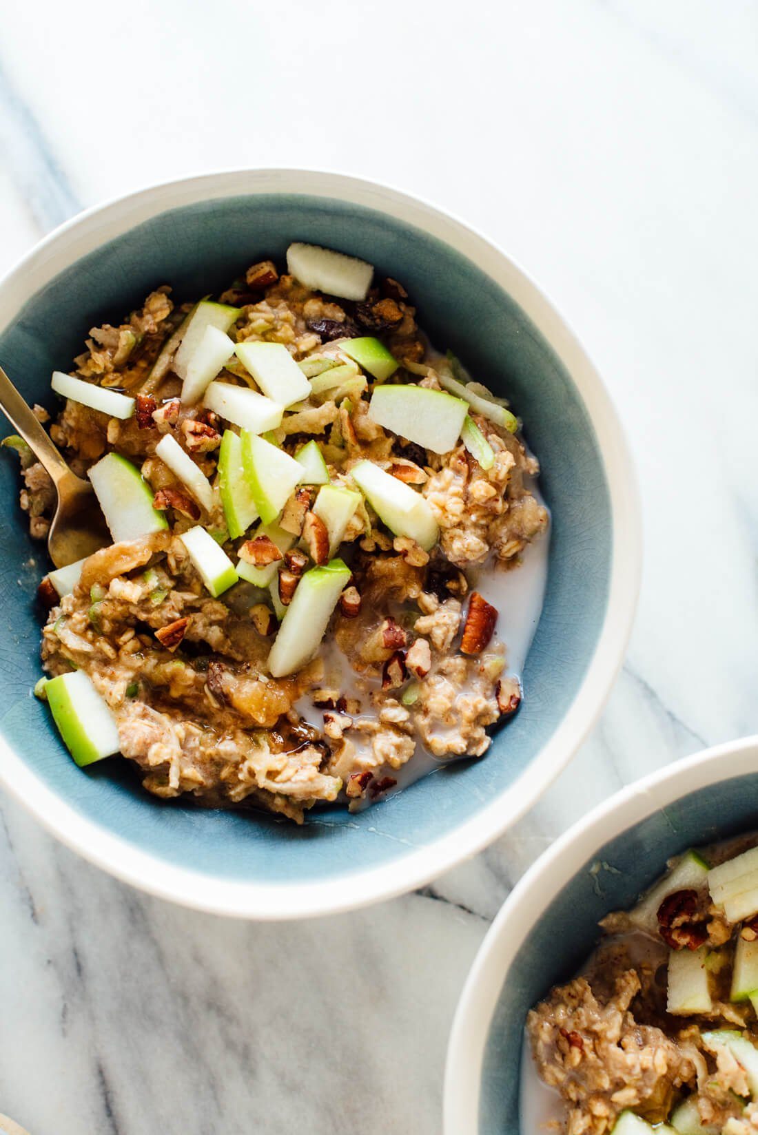 The best bircher muesli recipe, made with old-fashioned oats, homemade  applesauce,