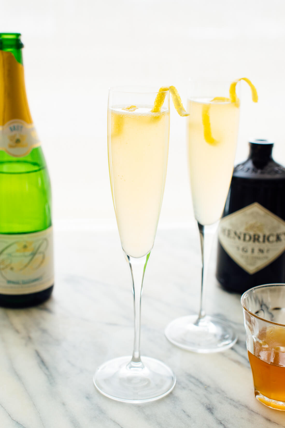 Classic french 75 cocktail cookie and kate for Cocktail cocktail