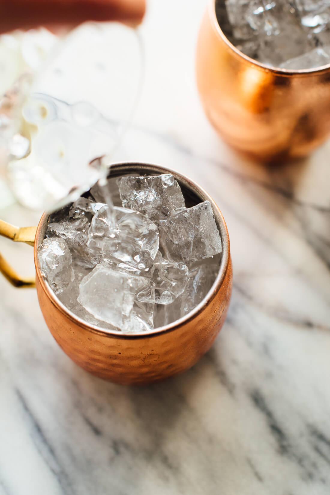 moscow mule vodka pour