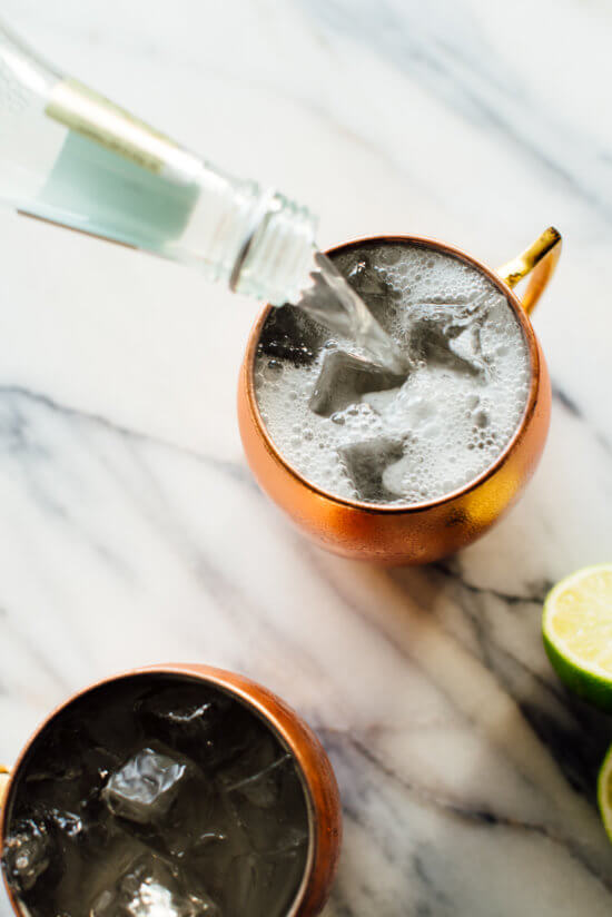moscow mule ginger beer pour