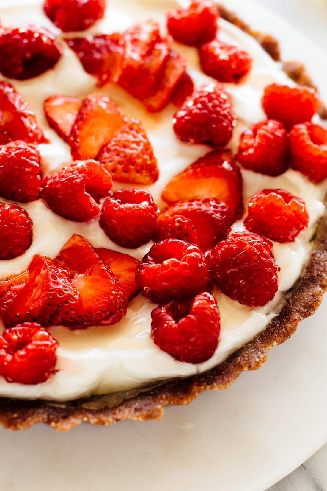 Greek yogurt tart with raspberries and strawberries