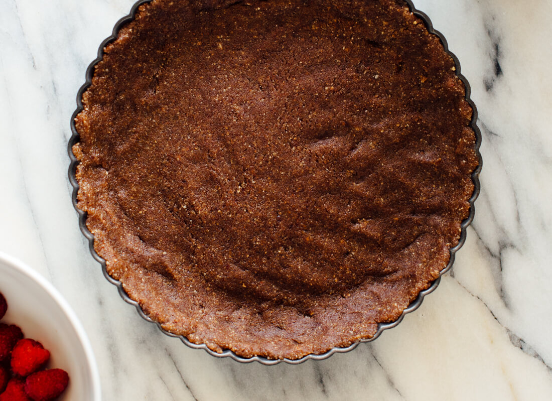 healthy tart crust made with dates and pecans
