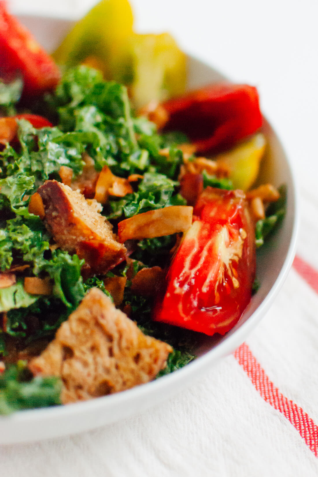 Heirloom Tomato BLT Kale Salad #vegan