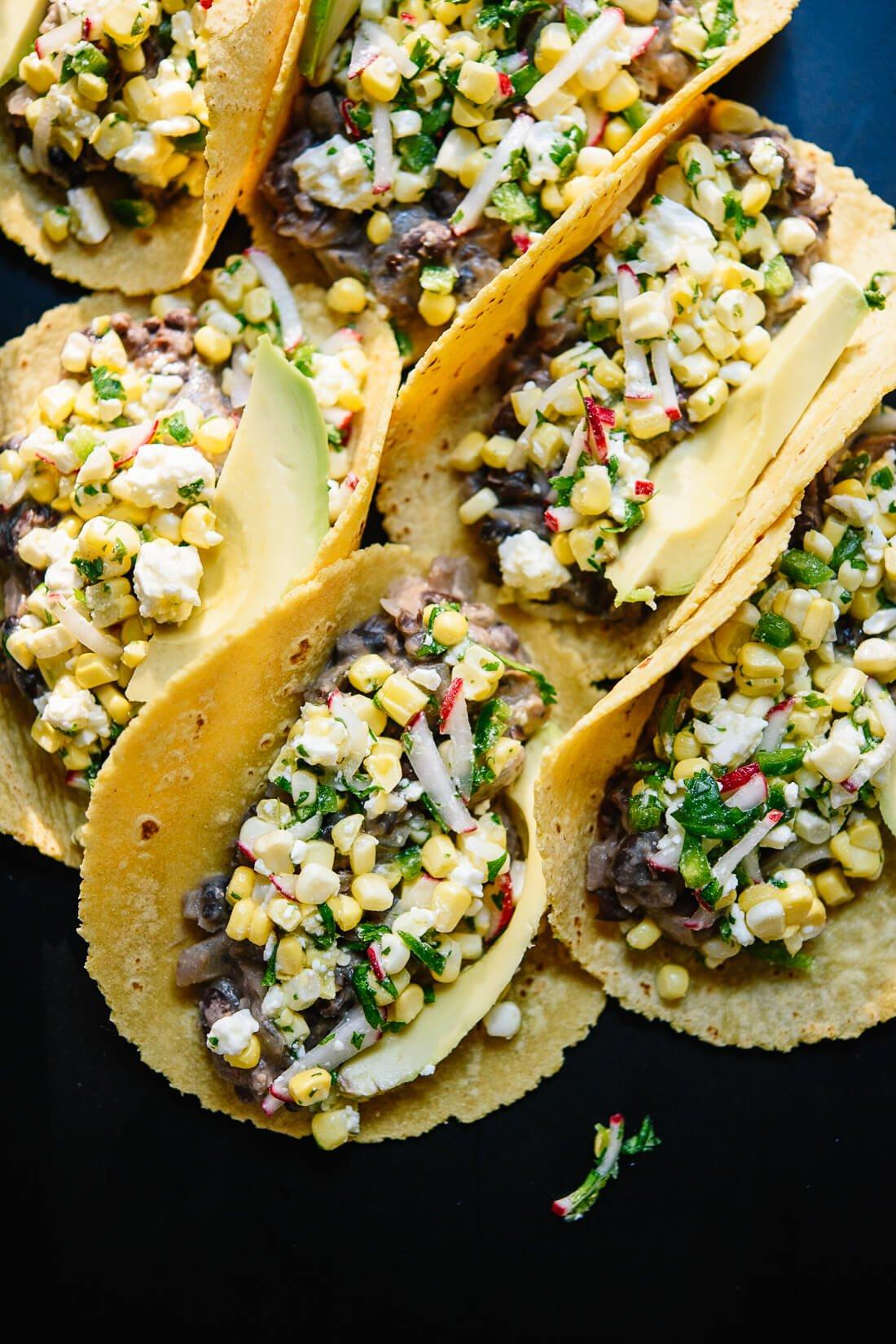 Tacos de maíz dulce y frijoles negros