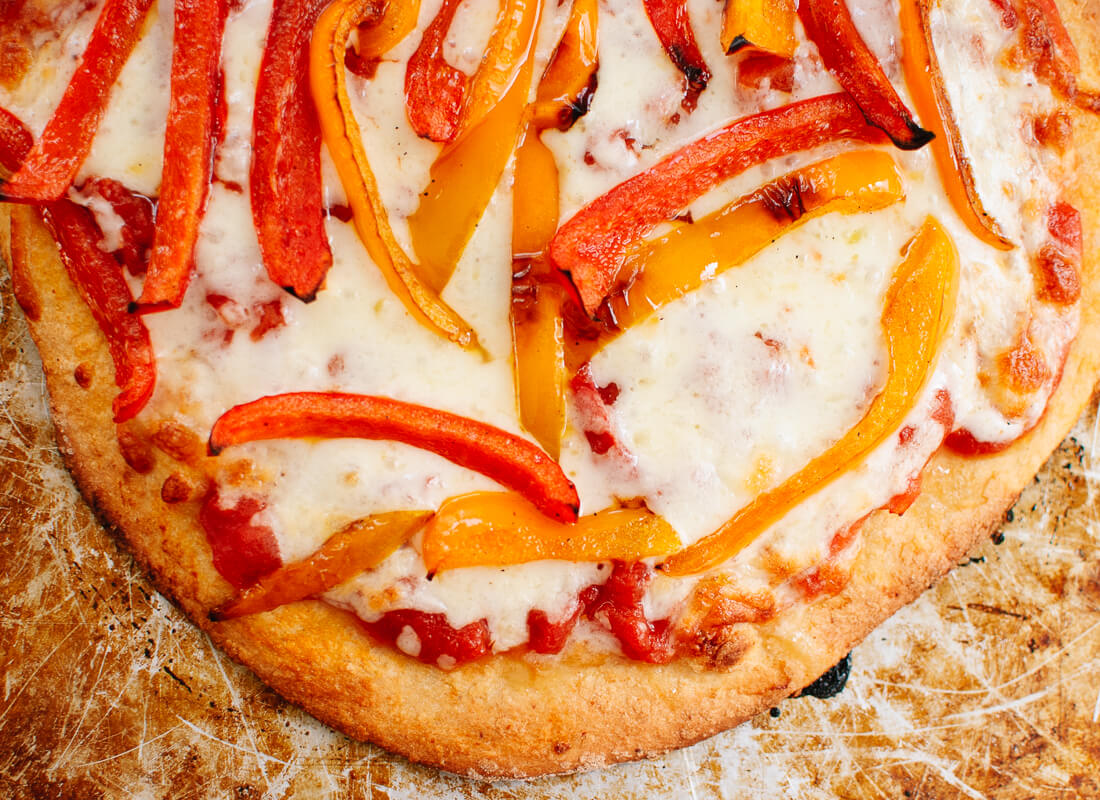 Bell pepper and cheese pizza