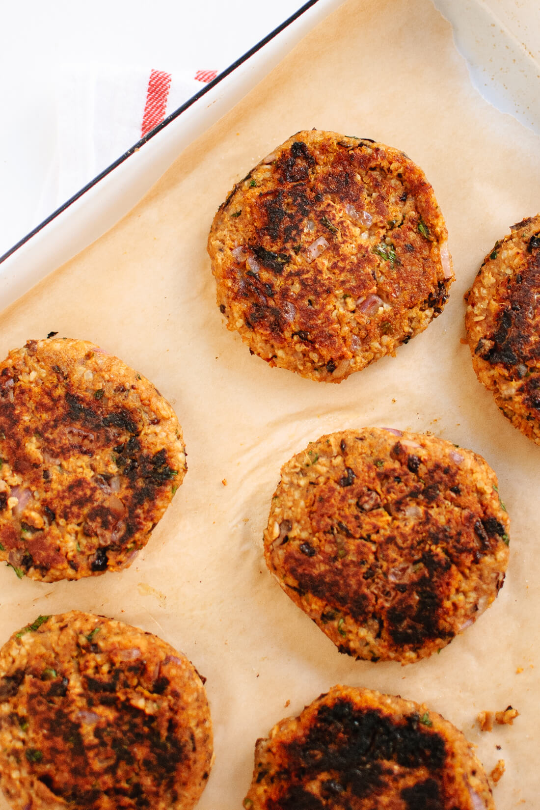cooked sweet potato & black bean veggie burgers
